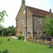 hopes-bed+breakfast-norton-sub-hamdon-back-garden2
