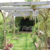 hopes-bed+breakfast-norton-sub-hamdon-front-garden-trees
